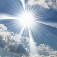 مراقبت از پوست مقابل نور خورشید